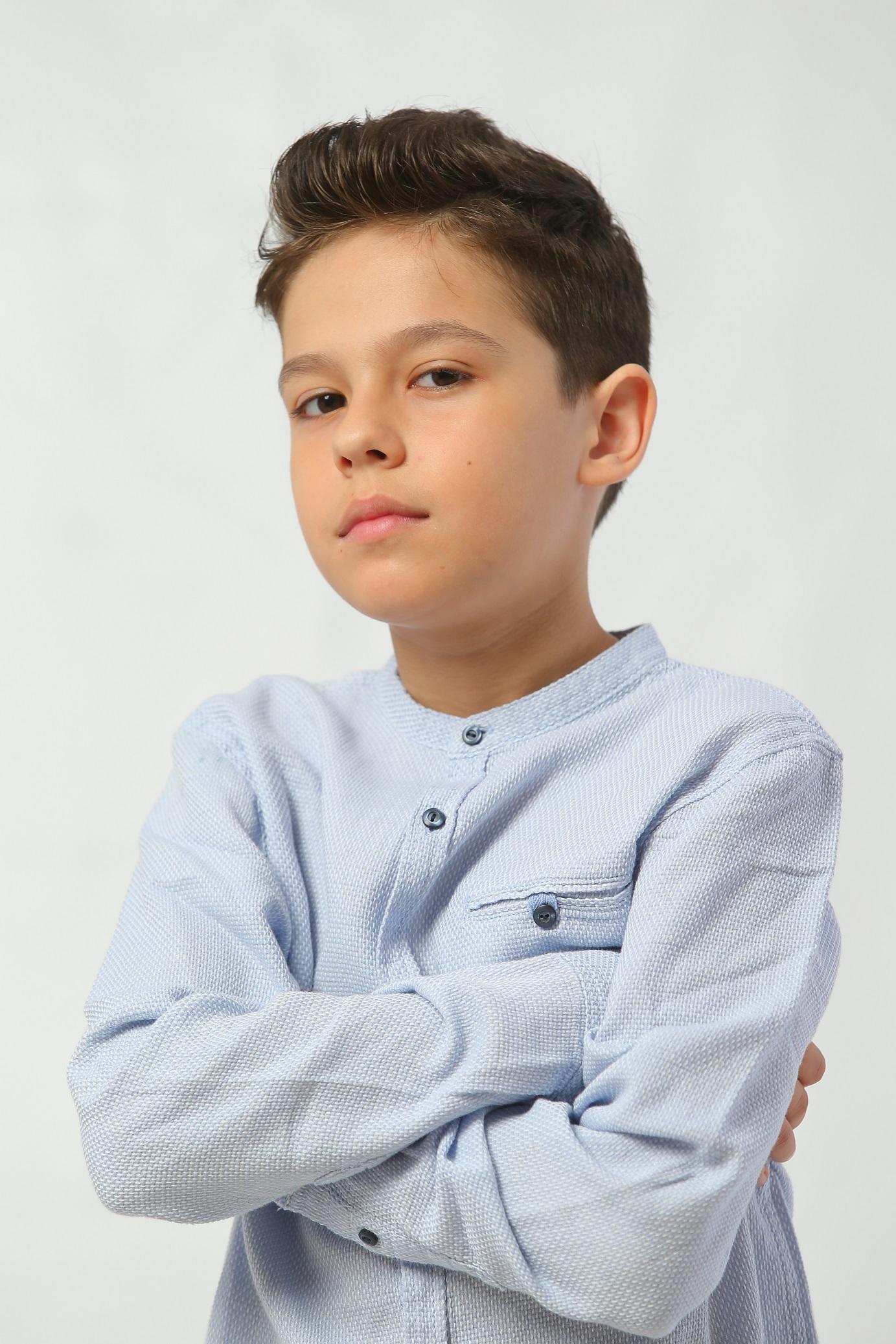 """Tudor Roșu, cel mai tânăr actor din serialul """"Fructul ..."""