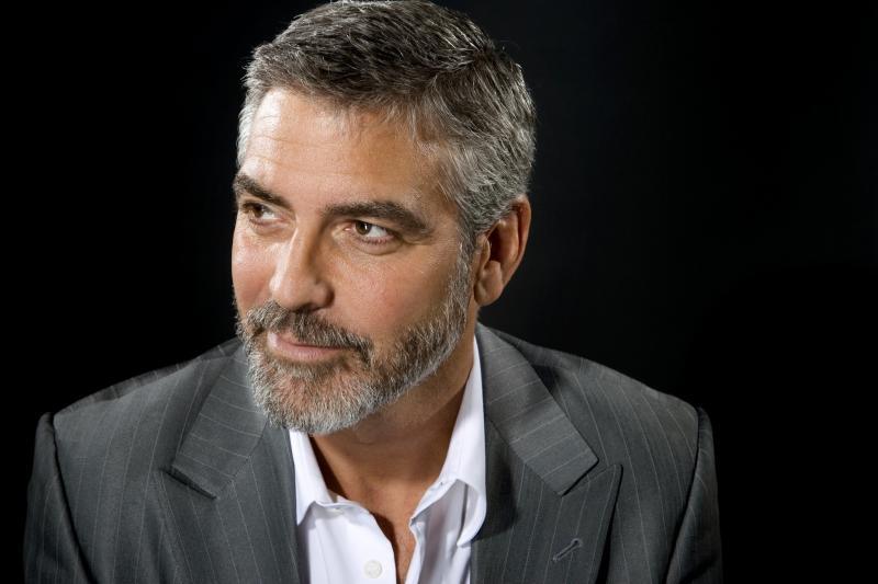 Fiindcă știa că va zbura în avion cu copiii săi, George Clooney a găsit soluția perfectă pentru a nu deranja călătorii! Ce idee a avut actorul