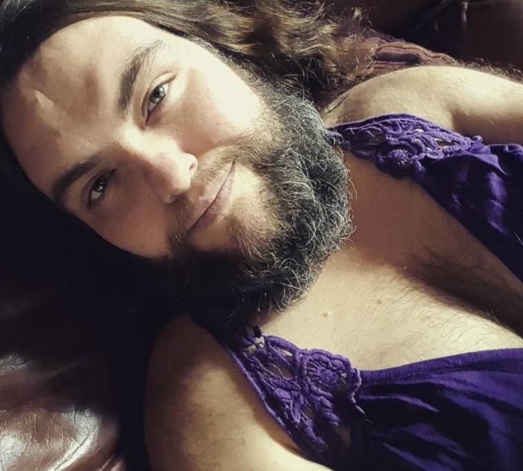 Conchita Wurst a redefinit frumusețea feminină! Mai multe femei cu barbă au decis că pilozitatea excesivă le face mult mai atrăgătoare și senzuale