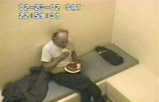 Povestea cutremurătoarea a celui mai mare criminal în serie din Canada! Asasinul, crescător și patron de abator de porci, a ucis 49 de femei, le-a dat prin mașina de tocat și le-a oferit gătite prietenilor și familiei