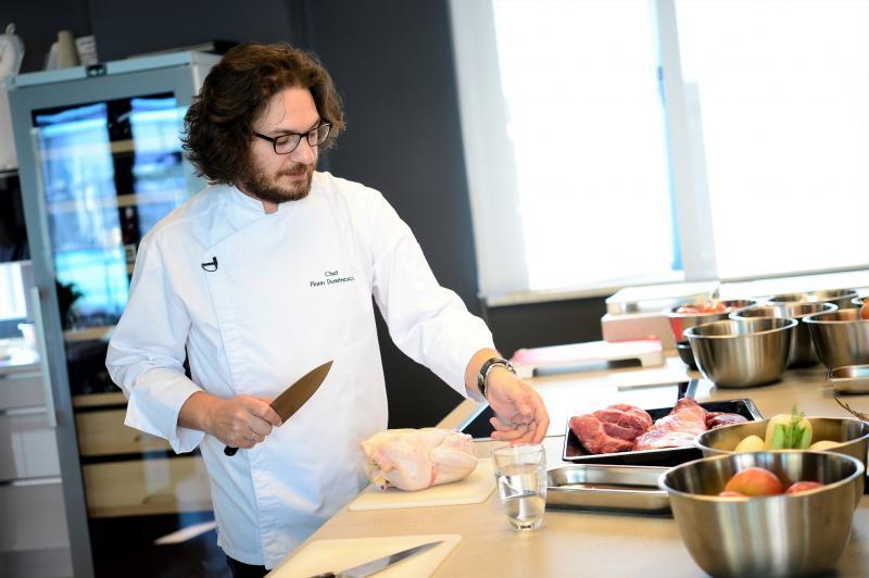 """Chef Florin Dumitrescu a dezvăluit secretele gastronomiei câștigătorului aplicației ,,Chefi la cuțite"""""""