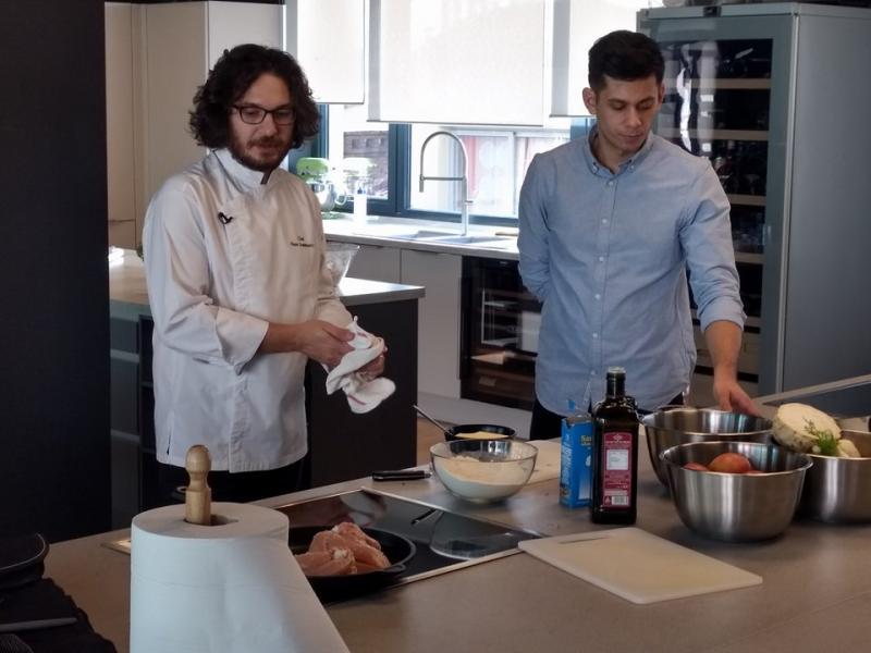 Festin culinar și lecții pentru a deveni un bucătar de cinci stele! Cum a fost la cursul de gătit cu Chef Florin Dumitrescu
