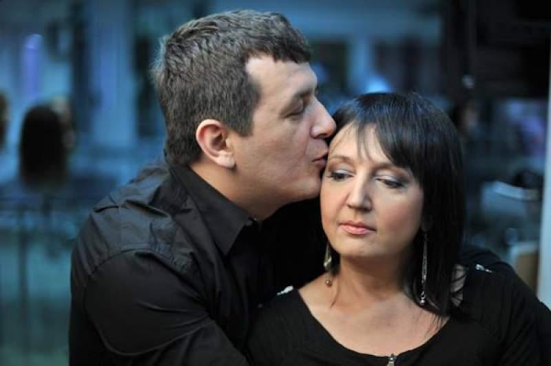 """Mărturii dureroase:  """"Ultimele ei respiraţii m-au trezit din somn..."""" Doru Roman, soțul regretatei jurnaliste Simona Catrina"""