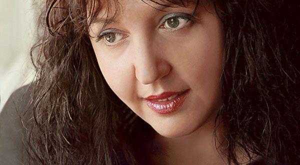 Simona Catrina (22 octombrie 1967 - NICIODATĂ) Jurnalista își găsise fericirea: Imagini emoționante din timpul unui interviu realizat în 2014