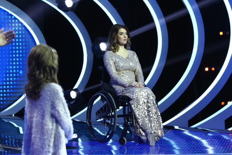 """Magda, țintuită într-un scaun cu rotile, s-a născut în anul în care Mirabela Dauer lansa piesa """"Mulţumesc, iubita mamă!"""" A dat naștere unei fetițe, chiar dacă medicii i-au interzis!"""