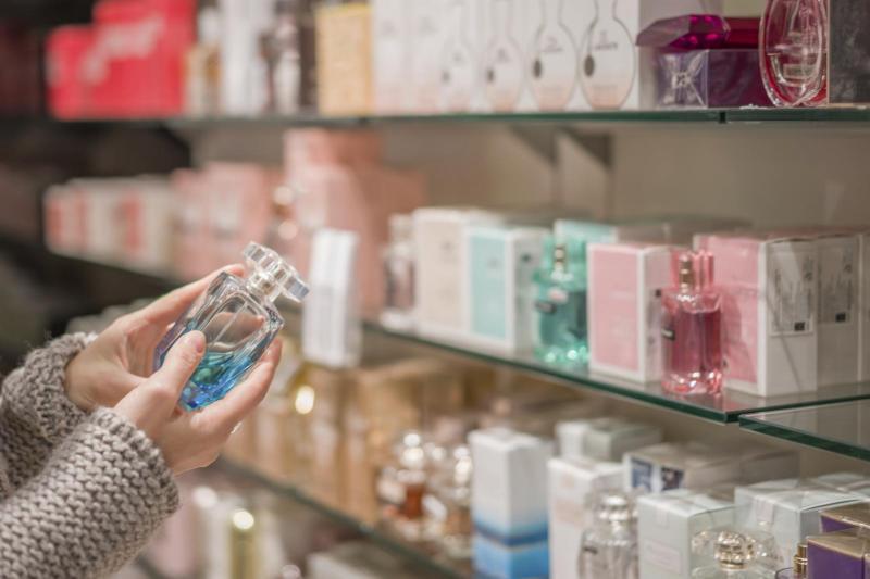 Cum Deosebești Un Parfum Original De Unul Contrafăcut Cele Patru