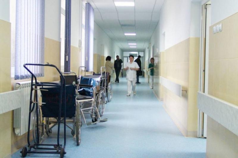 """EPIDEMIE în România! Cum îți dai seama că ai luat boala """"gură-mână-picior"""""""