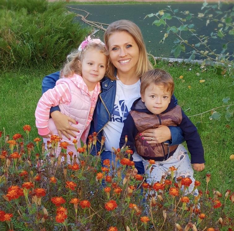"""Mirela Vaida, mărturisiri neașteptate despre a treia sarcină: """"Am plecat în vacanță în Italia și ne-am relaxat atât de tare, că am mai venit încărcați cu unul…"""""""