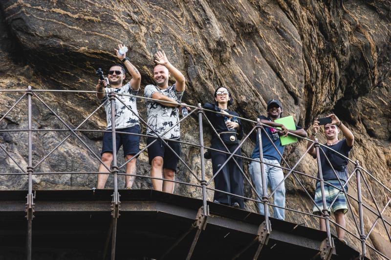 Cursa prin Asia Express a început! Gina, Liviu şi Andrei, primele impresii despre Sri Lanka