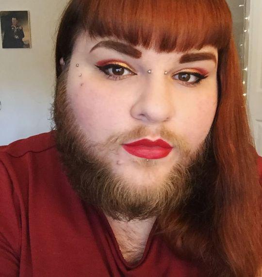 O tânără de 26 de ani și-a lăsat barbă și a devenit vedetă peste noapte! Cum arată femeia