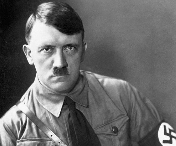 """El este nepotul lui Adolf Hitler! Alexander a dat primul interviu:""""Toată viața m-am ascuns. Nu sunt ca el. Bunicul a luptat de partea americanilor, a fost Hitler versus Hitler"""""""