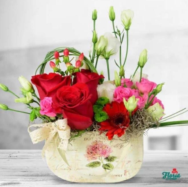 Aranjamente florale pentru aniversarea căsătoriei - Vezi 3 idei