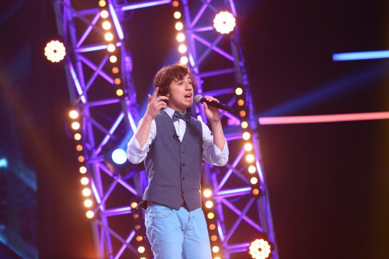 """Moment incredibil la """"X Factor""""! Andrei Geamăn a uitat versurile piesei, în timpul duelului! Carla's Dreams a avut misiune grea: """"Aveți o ladă de comori!"""""""