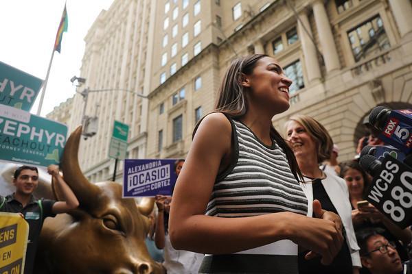 Alexandria Ocasio-Cortez, cea mai tânără persoană aleasă în Congres