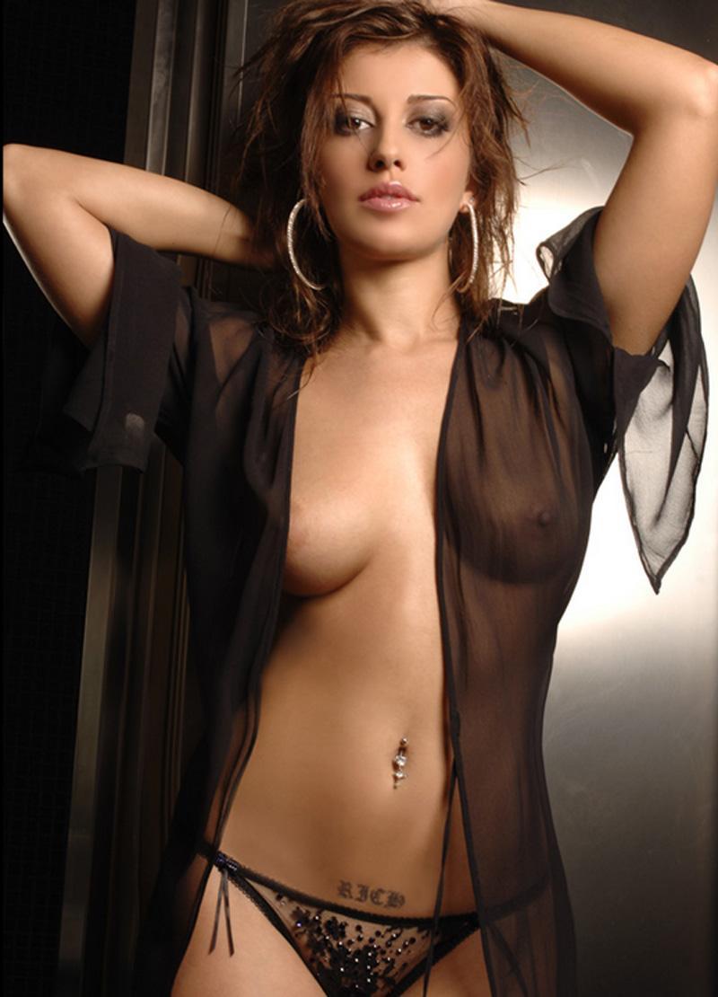 UNA PE ZI! Roberta, atuul sexy al celor de la AS Roma în meciul de Champions League cu Barcelona!