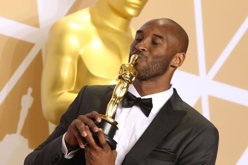 """Kendrick Lamar scrie ISTORIE! Cântăreţul a câştigat Premiul Pulitzer pentru albumul """"Damn"""". În urmă cu o lună, baschetbalistul Kobe Bryant lua Oscarul"""