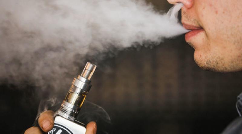 """Afirmaţia care va """"nenoroci"""" fumătorii din România: """"Tutunul încălzit, taxat la fel ca cel convenţional"""""""