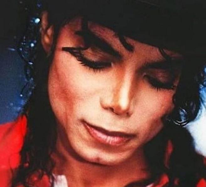 Fiica lui Michael Jackson i-a adus un omagiu extrem de EMOȚIONANT tatălui ei, la nouă ani de la moartea lui. Îți vor da lacrimile!