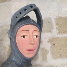 Îţi mai aduci aminte de pictura lui Iisus distrusă de o bătrână din Spania? Povestea s-a repetat, dar într-un stil mare. Cum a fost restaurată în stil Mr. Bean o sculptură (FOTO)