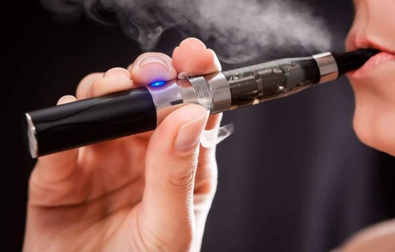 Ce se întâmplă dacă fumezi țigări electronice! ADEVĂRUL a ieșit la iveală!