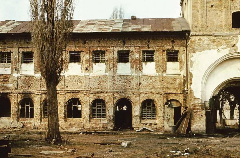 """Incredibil! Ceaușescu a spus că i-o lasă în picioare, Patriarhul BOR a semnat distrugerea Mănăstirii Văcărești! """"Preafericite, să salvăm capodopera!"""" """"Mă, tu ai față de fugar de la Europa Liberă!"""""""