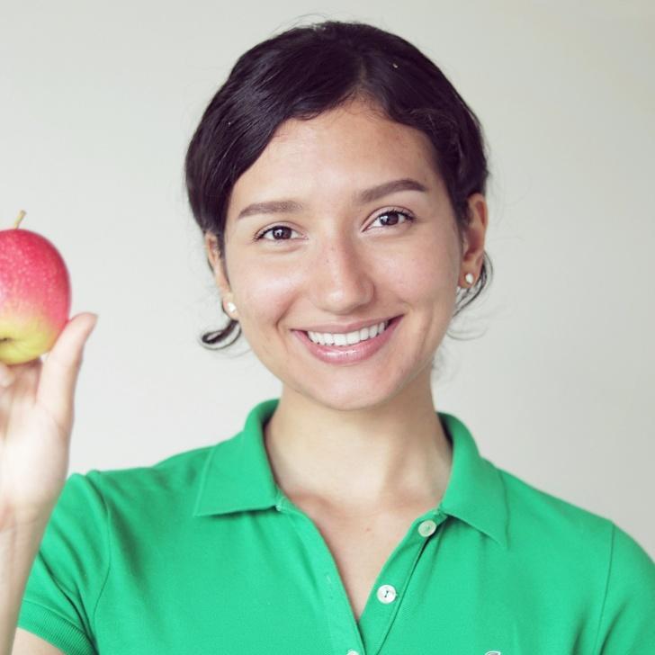 Timp de 4 ani a fost vegetariană. Ce s-a întâmplat când a reintrodus CARNEA în dieta ei. Efectele au fost ULUITOARE!