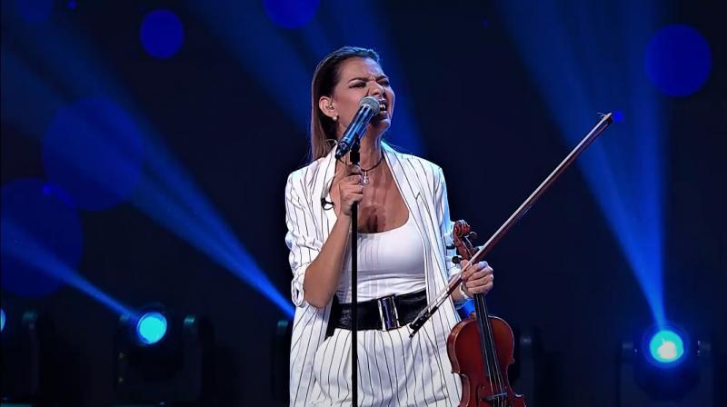 """Interpretare emoționantă pe scena X Factor: """"Nu a apucat să mă audă, dar sper să mă asculte și să îmi trimită un semn."""""""