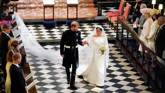 Tradiția pe care o respectă și Familia Regală! Meghan Markle dezvăluie ce a ascuns în rochia de mireasă, surpriză pentru Prințul Harry
