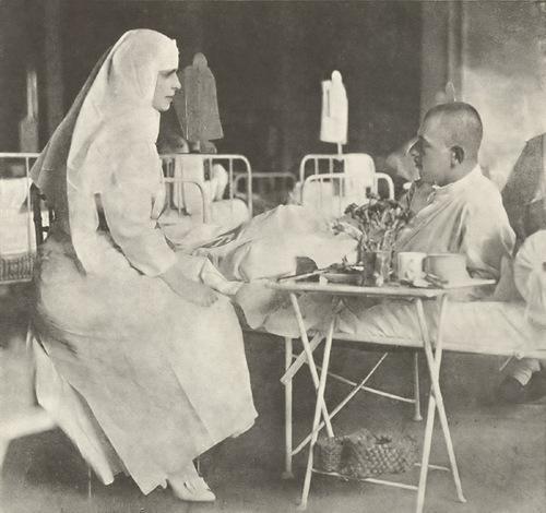 """Regina Maria,""""regina-soldat"""", va fi în fruntea unei expoziții la Instanbul dedicată rolului pe care l-au avut femeile în Primul Război Mondial"""