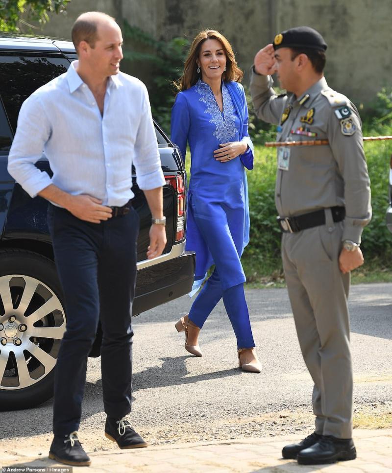 1.000 de militari i-au apărat pe membri casei regale, Prințul William și Kate aflați în vizita din Pakistan