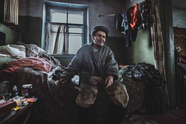 Au refuzat să plece după dezastrul de la Cernobîl, cu orice risc! Cum arată zilele lor în locul în care moartea plutește în aer. Galerie foto