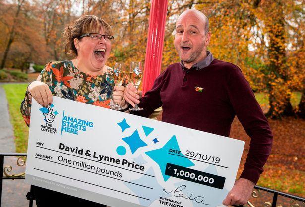 """Soțul și-a anunțat soția că au câștigat la loterie, dar răspunsul femeii l-a uluit! """"Am o veste, mai mare decât premiul câștigat"""""""
