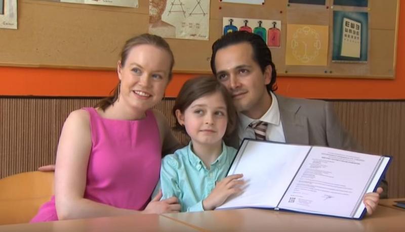 """Are nouă ani și se pregătește să intre în Cartea Recordurilor, ca cel mai tânăr absolvent de facultate! Ce vrea să facă pentru întreaga lume este fabulos! """"Visul lui este inspirat de bunicii săi"""""""
