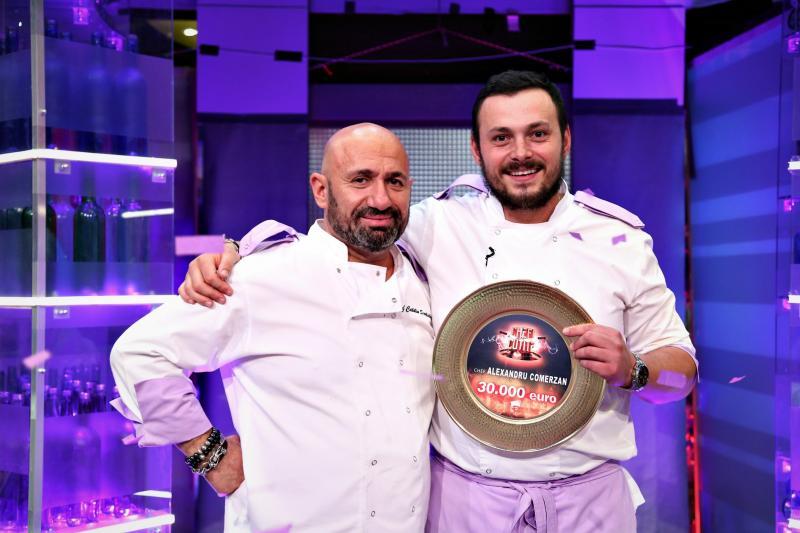 """Un sezon de poveste și o victorie colosală pentru Chef Cătălin Scărlătescu! Ce s-a întâmplat în finala emisiunii Chefi la cuțite! """"Ești în Calea Lactee a bucătarilor"""""""
