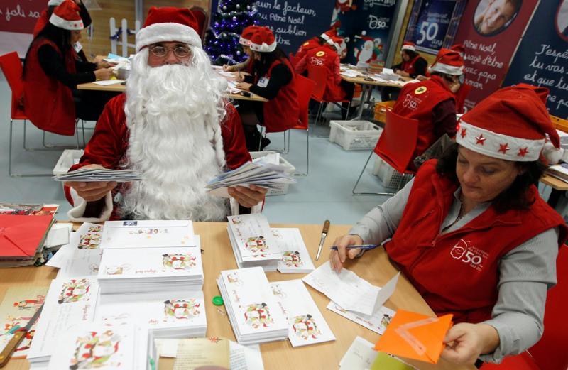 Moș Crăciun a învățat să scrie de la o franțuzoaică. Stai un pic. Cum?