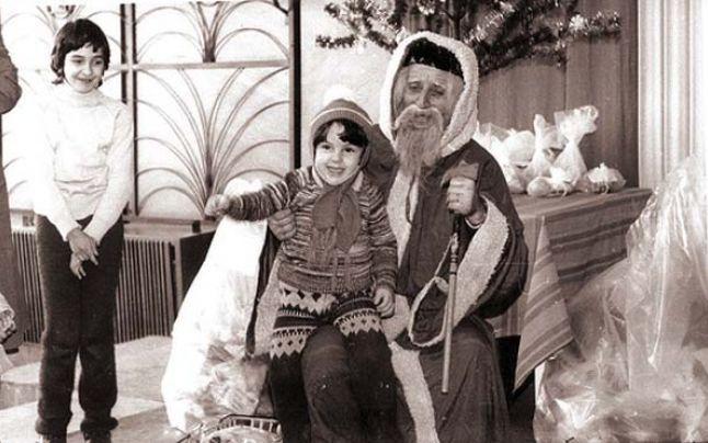 1 decembrie nu exista, Nicolae nu venea, Crăciun se ascundea, iar Gerilă aducea cam tot ce pe sub mână prindea