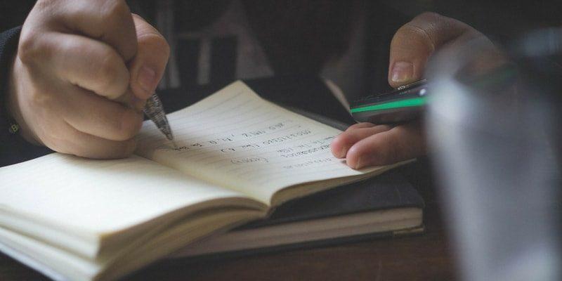 Cum falsifici diploma de medic, chiar la tine acasă! Ce metodă a folosit Raluca Bârsan, falsul doctor ginecolog de la Spitalul din Ilfov