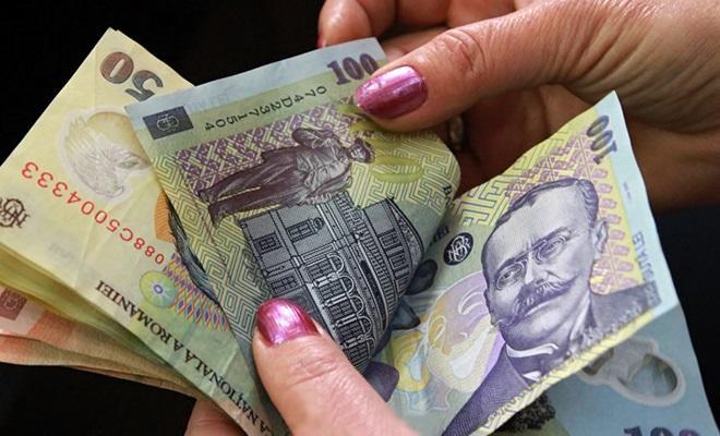 Lovitură pentru românii cu rate la bănci! Ce schimbare uriașă anunță specialiștii