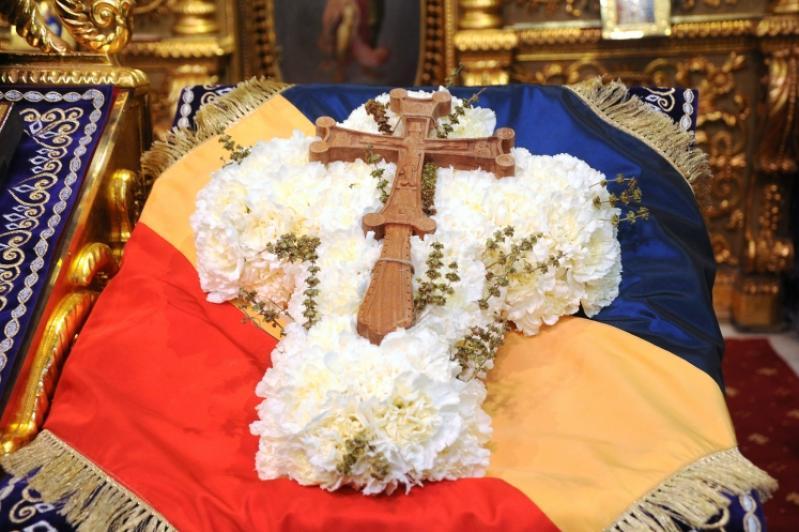 Image result for duminica Înălțarea Sfintei Cruci
