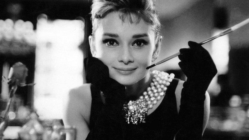 Pe Audrey Hepburn a iubit-o o lume întreagă, dar ea a avut un secret de familie rușinos!Dacă s-ar fi aflat, ar fi fost distrusă