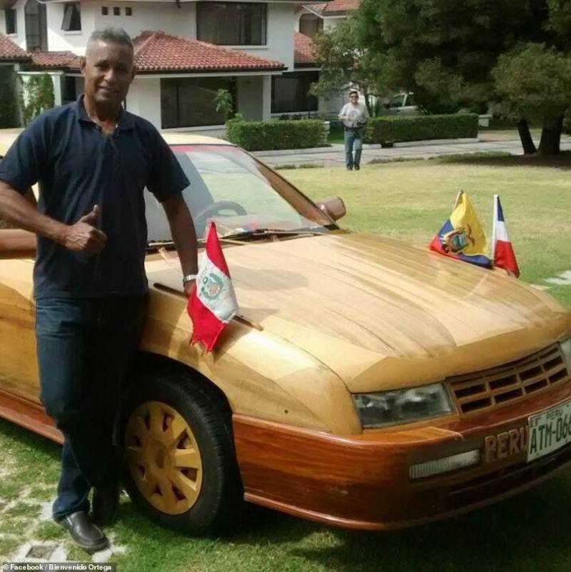 Sacrificiul incredibil al unui tată pentru fiica lui! A lucratdoi ani la o mașină din lemn și a pornit la un drum de32.000 de kilometri ca să i-o dăruiască - Foto