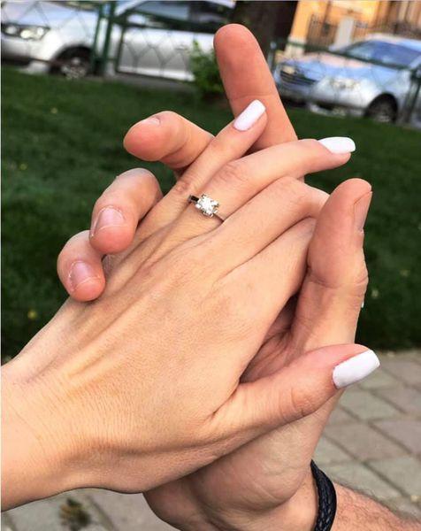 Flavia Mihăşan, în culmea fericirii! Frumoasa blondină a fost cerută în căsătorie, chiar înainte să nască!