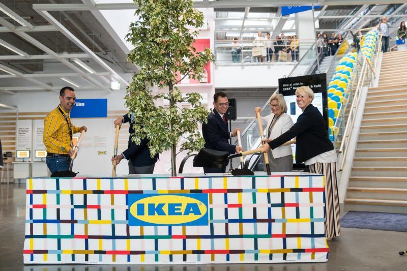 Imagini pentru Poze cu IKEA la deschiderea din 24 iunie 2019