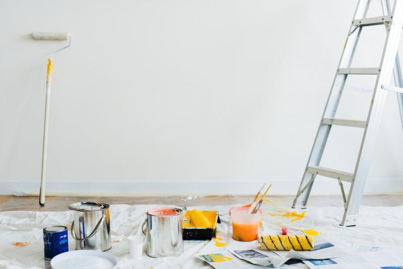 Amenajări interioare: De ce să ții cont când îți zugrăvești casa cu vopsea lavabilă