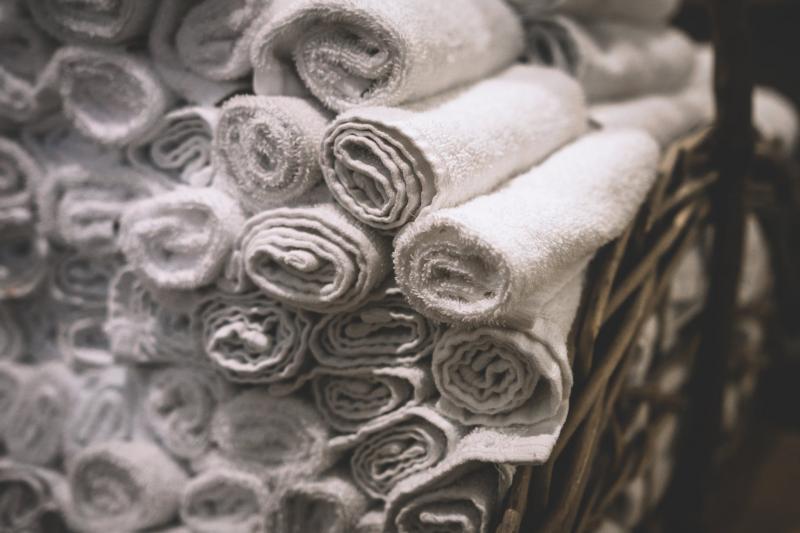 Amenajarea băii: ce e bine să știi când alegi prosoapele și textilele de baie
