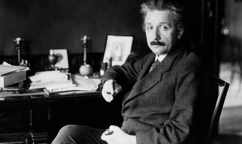 Cel mai scandalos secret al lui Albert Einstein! Fiica lui i-a devenit… nepoată! Fata a ajuns nevoiașă! Câți bani i-a lăsat geniul moștenire
