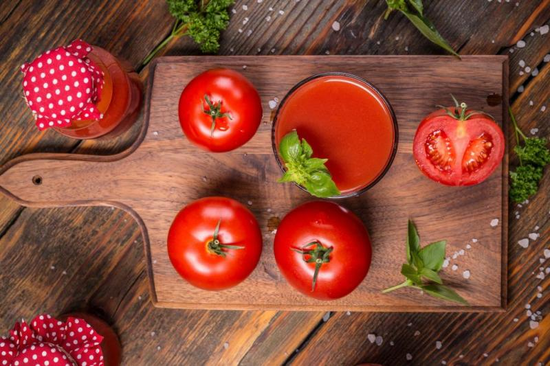 Cum să faci cel mai bun suc de roșii în casă și care sunt beneficiile lui