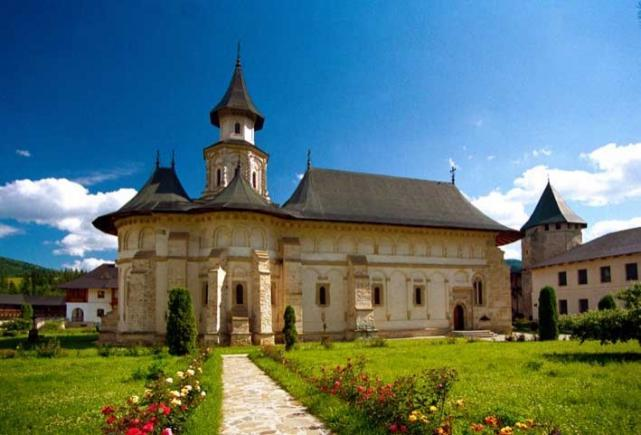 Cele mai frumoase 8 mănăstiri din Bucovina pe care să le vezi în vacanța de vară. Foto