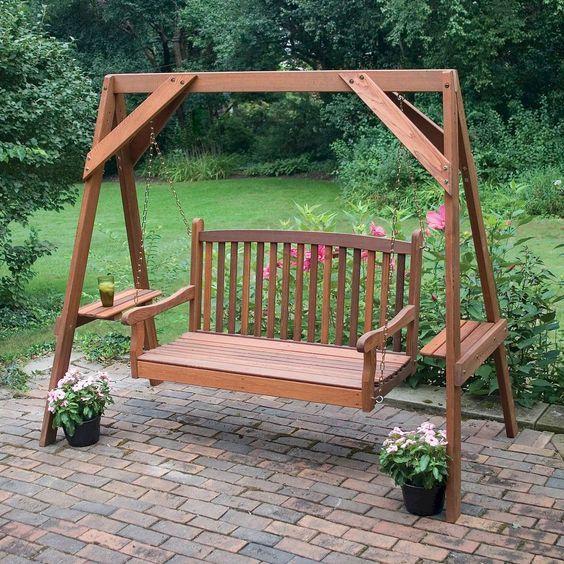 Amenajarea grădinii de vară. 4 elemente care îți aduc relaxarea
