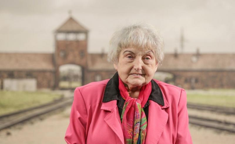 """A murit Eva, una dintre gemenele supravieţuitoare a experimentelor doctorului diabolic de la Auschwitz: """"Ne-a injectat în ochi. Tot corpul s-a umflat"""""""